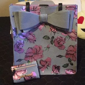 🌸Betsy Johnson Floral Purse w/ Matching Wallet🌸